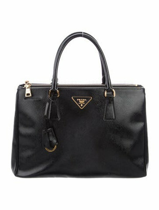 Prada Saffiano Vernice Medium Galleria Black