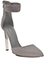 Tania Spinelli Pointed pump