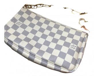 Louis Vuitton Pochette Accessoire White Cloth Clutch bags