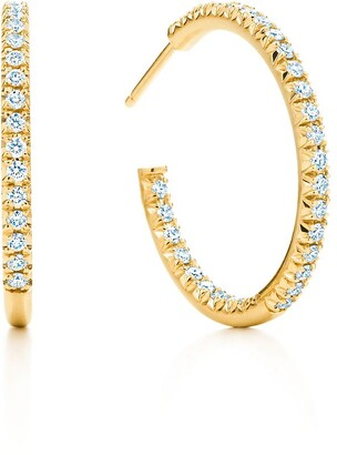 Tiffany & Co. Metro hoop earrings in 18k gold with diamonds, medium