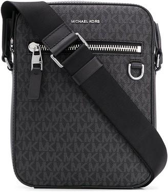 Michael Kors Henry flight bag