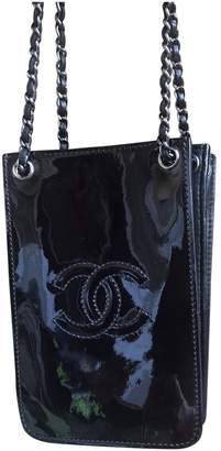 Chanel \N Other Patent leather Clutch bags