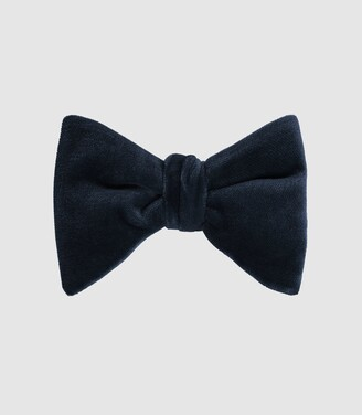 Reiss Hike - Velvet Bow Tie in Navy
