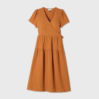 Universal Thread Women's Short Sleeve Wrap Dress - Universal ThreadTM