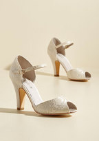 The Sole Works Peep Toe Heel in Ivory Lace in 37