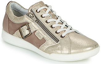 Pataugas PAULINE/M women's Shoes (Trainers) in Gold
