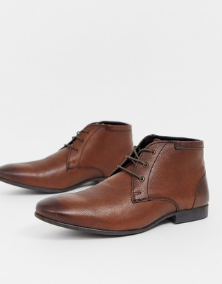 Asos Design DESIGN chukka boots in brown leather