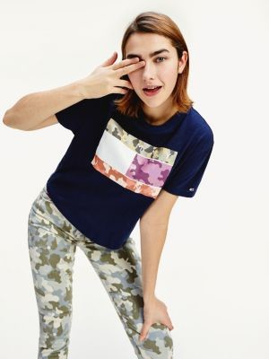 Tommy Hilfiger Camouflage Flag Print Cropped Fit T-Shirt