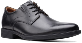 Clarks Whiddon Vibe Oxford - Wide Width Available