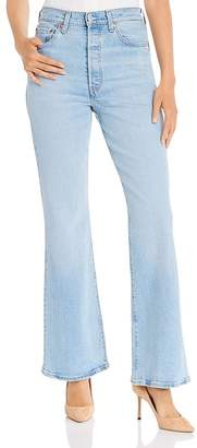 Levi's Ribcage Flared Jeans in Tango Light