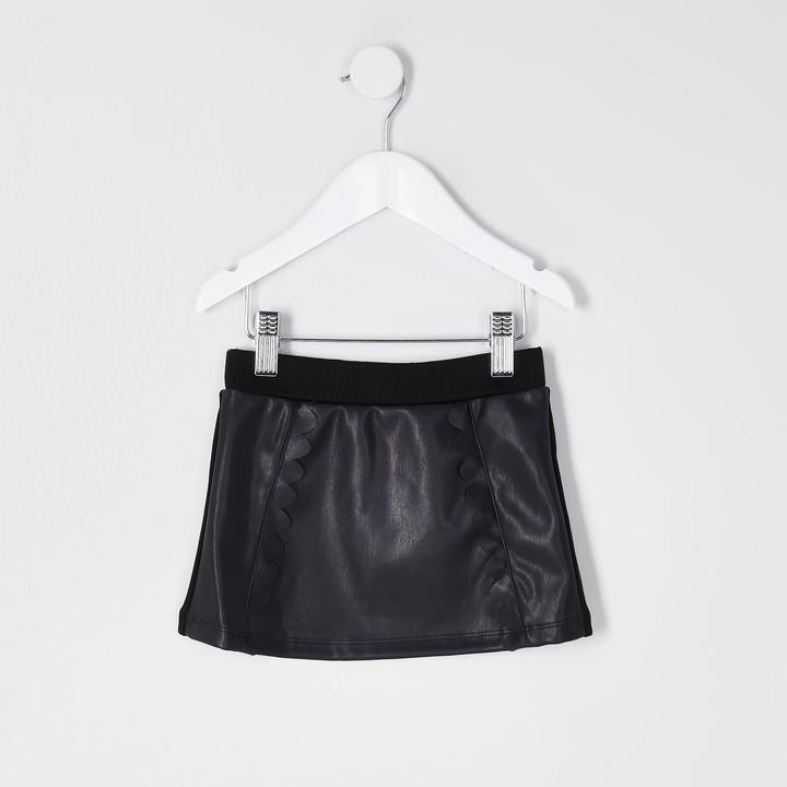 River Island Mini girls Black scallop PU mini skirt