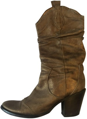 Non Signé / Unsigned Non Signe / Unsigned Gold Leather Boots