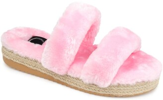Journee Collection Relaxx Faux Fur Slipper