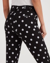 7 For All Mankind 7fam7 High Waist Slim Kick in Black and White Polka Dot