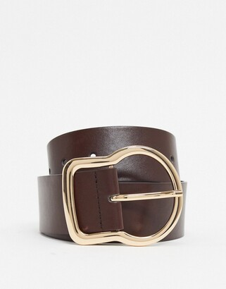 Glamorous minimal belt in brown with gold buckle