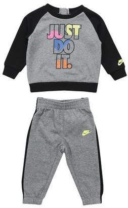 Nike Baby fleece set