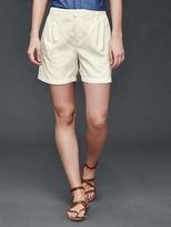 Gap Pleated shorts