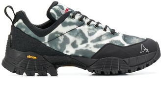 ROA lace-up hiking shoes
