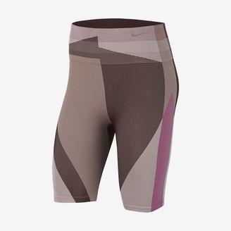 "Nike Women's Seamless 8"" Training Shorts Icon Clash"