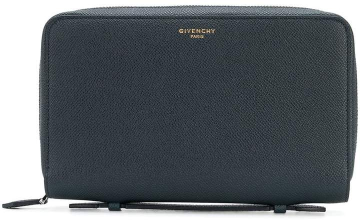 Givenchy classic zipped wallet