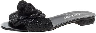 Chanel Black Coarse Glitter Fabric Camellia Embellished CC Flat Slides Size 37.5
