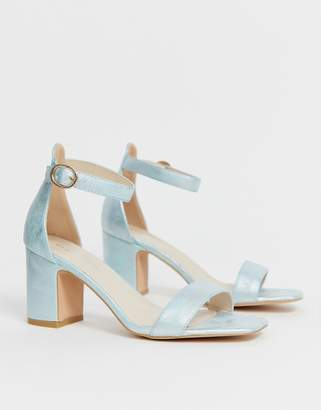 Glamorous mid heeled sandal with buckle strap in metallic green