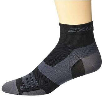 2XU VECTR Ultralight 1/4 Crew Sock (Black/Titanium) Crew Cut Socks Shoes