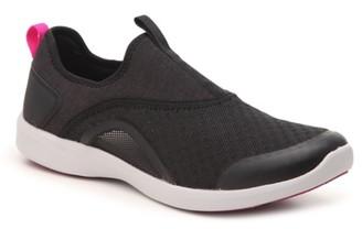 Vionic Yvonne Slip-On Walking Shoe - Women's