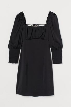H&M Back-laced Dress