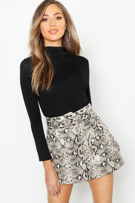 boohoo Snake Print Leather Look Belted Pocket Shorts