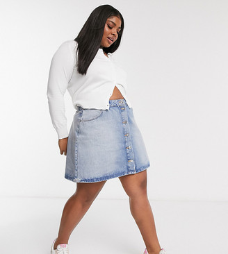 ASOS DESIGN Curve denim button through skirt in lightwash
