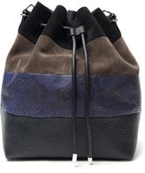 hillary duff  Who made  Hillary Duffs blue stripe bag, gray skinny jeans, sneakers, gray print handbag, and jacket?