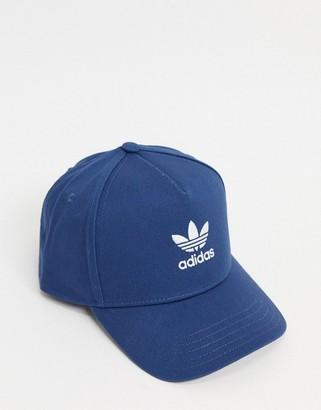 adidas trucker cap in night marine blue