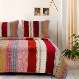 Greenland Home Fashions Home Marley Cranberry Quilt Set