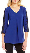 Bobeau V-Neck 3/4 Sleeve Pleat Woven Top