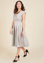 Emily And Fin Keener Postures Midi Dress in Smoke in S
