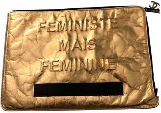 Chanel \N Gold Patent leather Clutch bags
