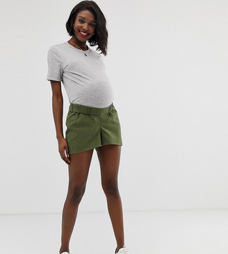 Asos DESIGN Maternity easy casual short with exposed zip with under the bump waistband-Green