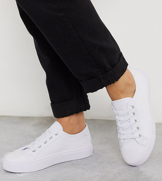 ASOS DESIGN Wide Fit Dizzy lace up trainers in white