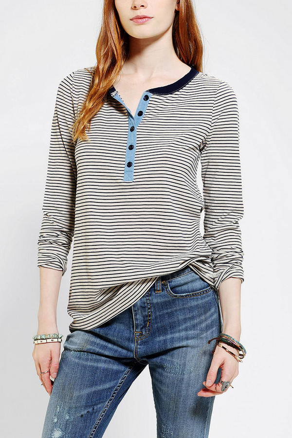 BDG Long-Sleeve Traveling Henley Tee