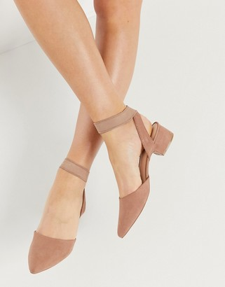 Qupid pointed mid heeled shoes in beige