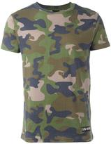 Les (Art)ists camouflage print T-shirt