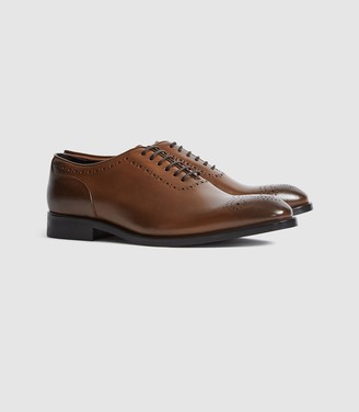 Reiss Alder - Leather Whole Cut Brogues in Mid Brown