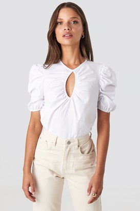 NA-KD Short Puff Sleeve Keyhole Front Blouse