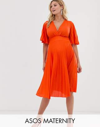 Asos DESIGN Maternity kimono pleated midi dress-Orange