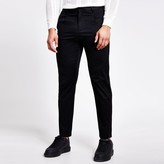 River Island Mens Black single pleat tapered fit trousers