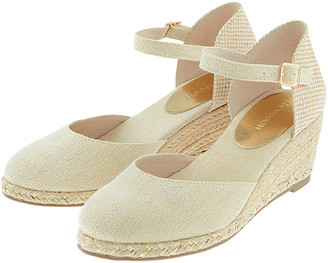 Under Armour Tabby Two-Part Low Wedges Natural