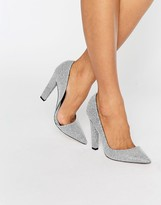 Paper Dolls Nissa Monochrome Stingray D'orsay Court Heels