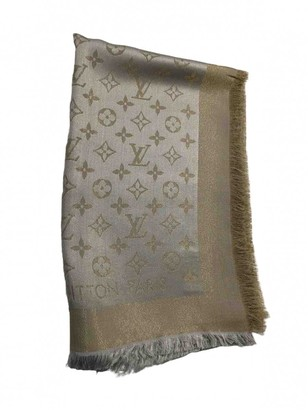 Louis Vuitton ChAle Monogram shine Silver Silk Scarves