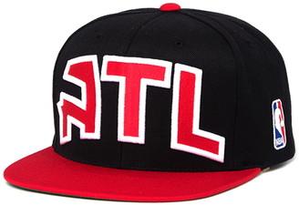 Mitchell & Ness NBA ATL Hawks XL Logo 2-Tone Snapback Baseball Cap